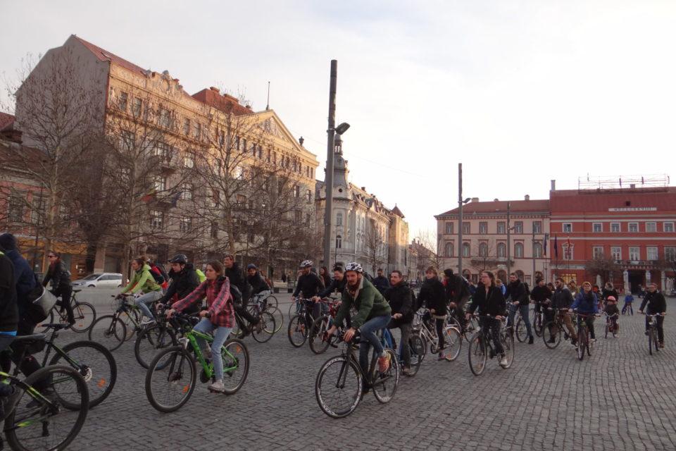 Le mouvement Critical Mass pédale pour plaider la cause de la planète et des cyclistes